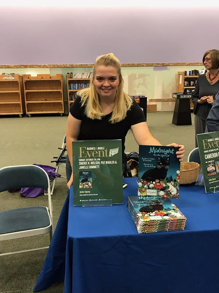 Barnes and Noble book signing for Midnight the One Eyed Cat