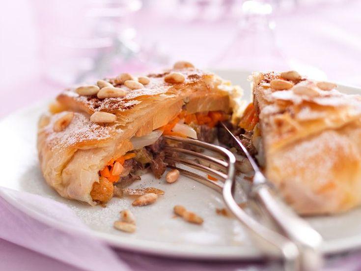 Découvrez la recette Pastillas au canard et foie gras frais sur cuisineactuelle.fr.