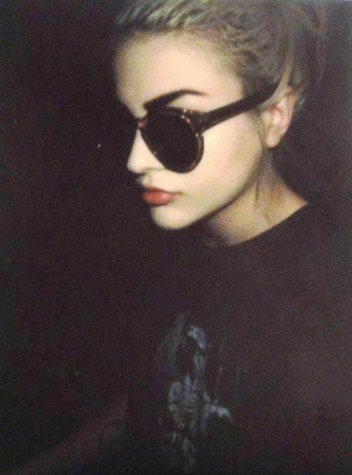 Francis Bean Cobain, her eyebrows are to die for