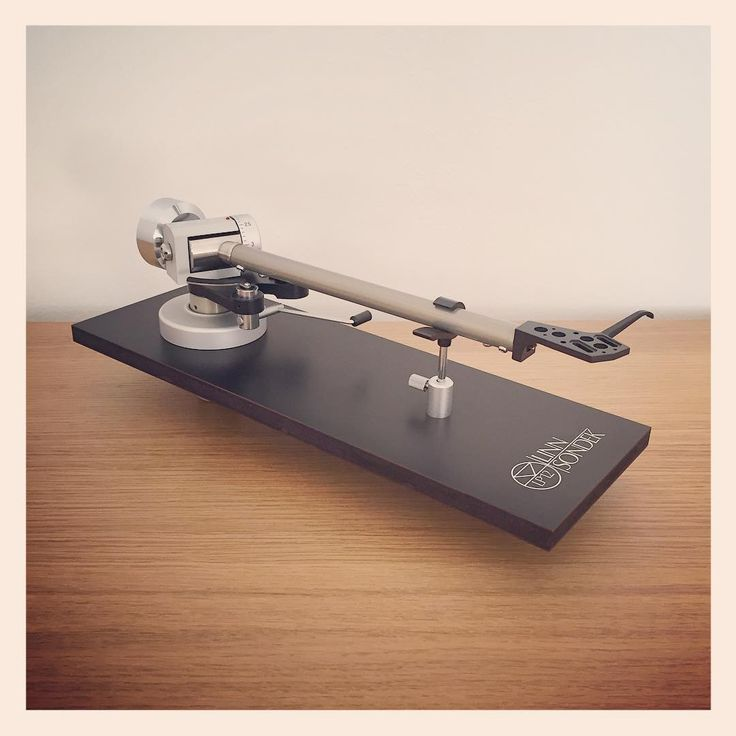 Beautiful Linn Ittok Tonearm in exemplary condition, now available for sale on our eBay store. Fully tested and guaranteed. Please get in touch for details. #linn #ittok #tonearm #vinylcollection #linnproducts #lokhifi #simplesystem #classic #British #hifi #madeintheuk🇬🇧 #classicaudio #classicbritish #vinyl #turntable #integrated #amplifier #modernclassic #bestofbritish #vintagehifi #vintageaudio #retro #retrohifi #britishengineering #classichifi #love #music #lovenaim💚 #naimaudio