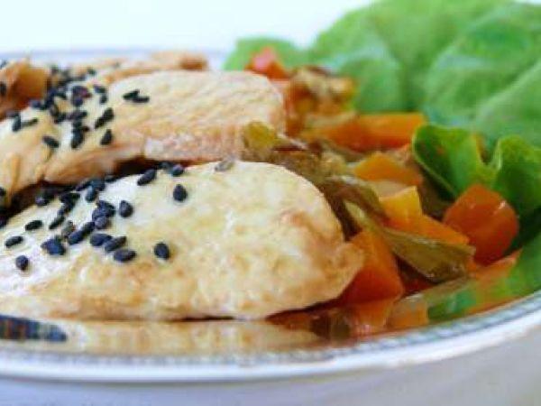Ricetta Pollo teriyaki con sesamo nero e dadolata di verdure, da Elisakitty's Kitchen - Petitchef