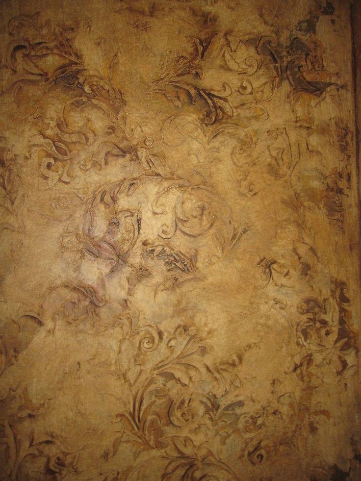 easy venetian plaster stencil raised | Venetian plaster with raised stencils and heavy wax.