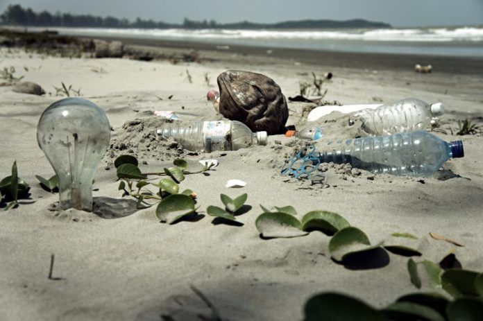 Water_Pollution_with_Trash_Disposal_of_Waste_at_the_Garbage_Beach-945x629