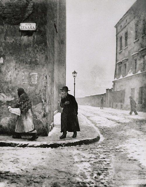 Isaac Street, Kazimierz, Cracow. 1935 - 38