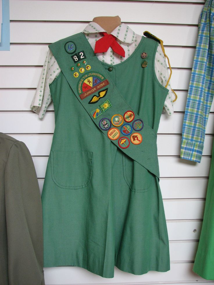 Best 50 my girl scouts images on pinterest girl scout badges 1973 1985 junior girl scout uniform solutioingenieria Choice Image