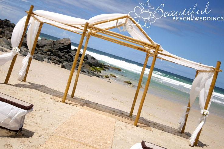 BLONDE BAMBOO WEDDING CHAPEL - The epitome of deluxe, our chapel is exclusive to BBW. Spanning 6 metres in length, it houses the bride and groom in the centre with the bridal party on either side.