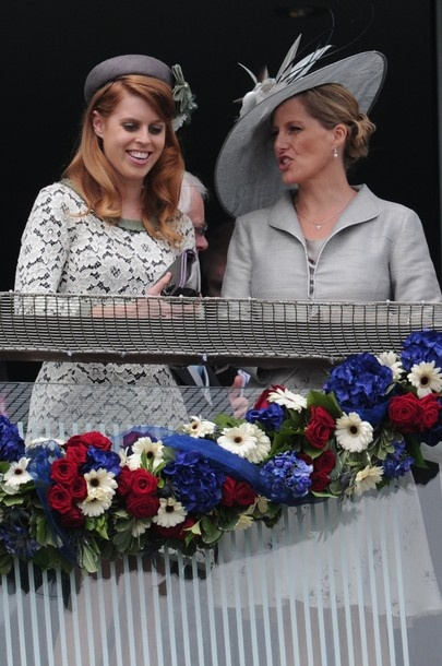 Epsom Derby: HRH Princess Beatrice of York and HRH The Countess of Wessex (02 Jun 2012) [PHOTO: