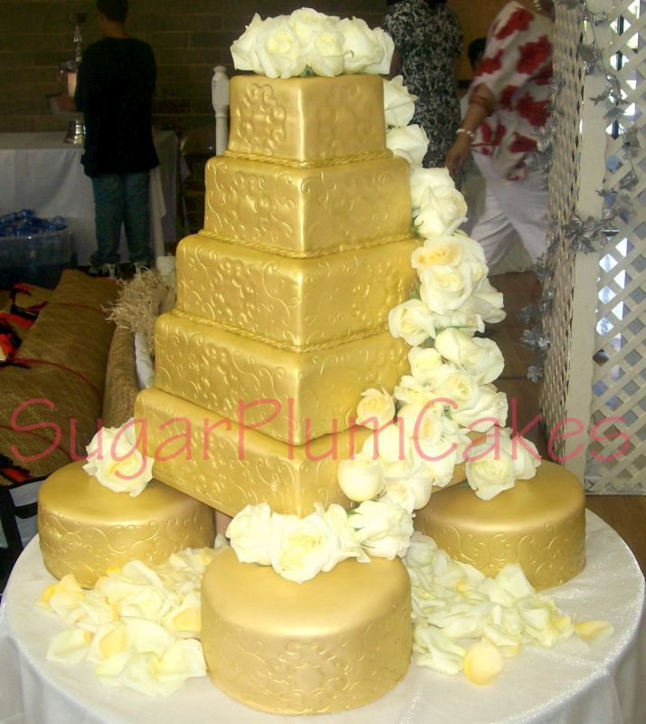 pictures of satellite wedding cakes 1000 images about cake ideas on cake ideas 18431