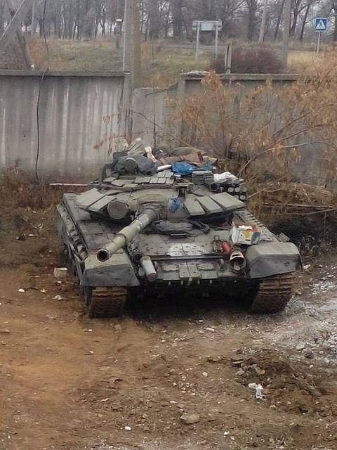 Pro-Russian insurgents T-72B Obr.1989