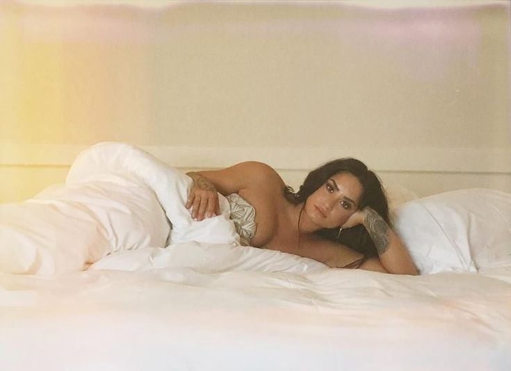 Sexy Photos of Demi Lovato – Instagram