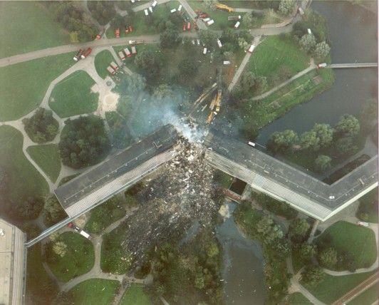 luchtfoto Kruitberg | Amsterdam Bijlmer disaster October 4 ...