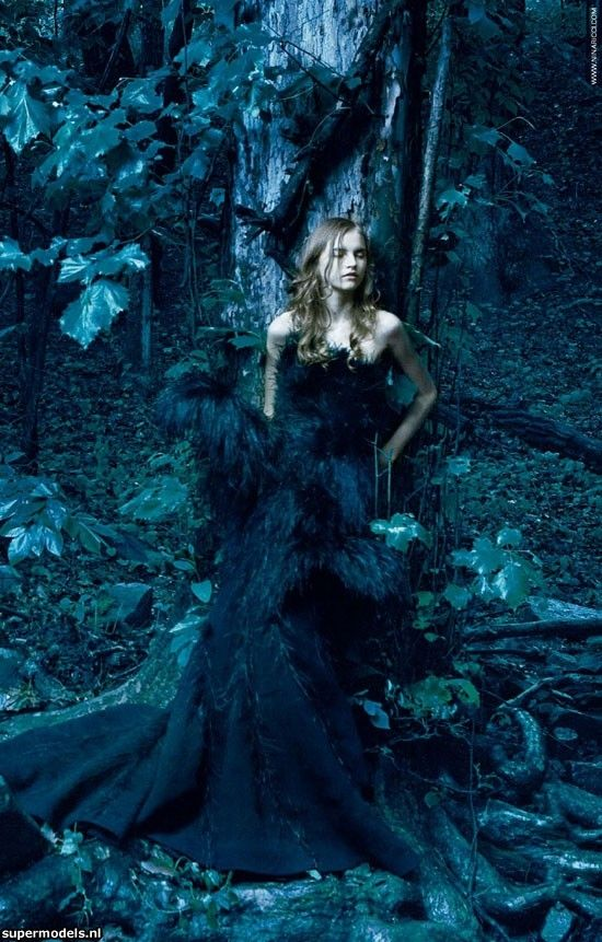 ♥ Romance of the Maiden ♥ couture gowns worthy of a fairytale - Brynn as the Black Queen's prize.