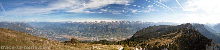 Chaine de Belledonne depuis le Mont GRANIER Massif de la Chartreuse Savoie Montagne