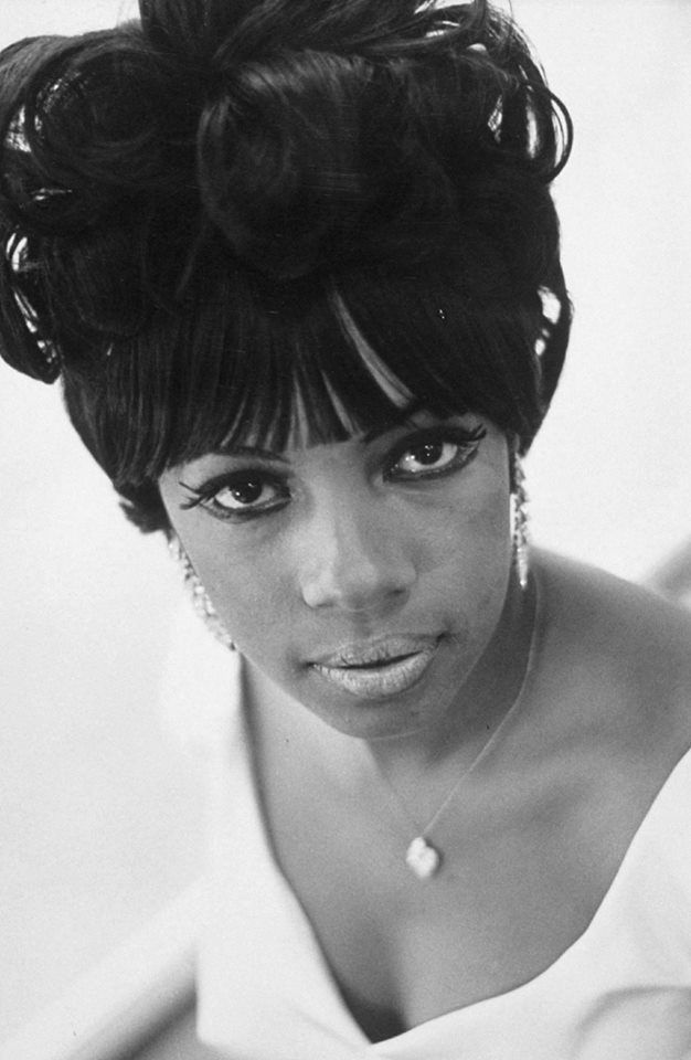 theswinginsixties.tumblr.com Mary Wilson of The Supremes