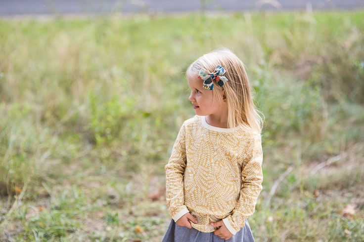 Classic bow. Hairaccessories. Girls outfit. Only girls. Summer collection. Photoshoot. Babygirl.
