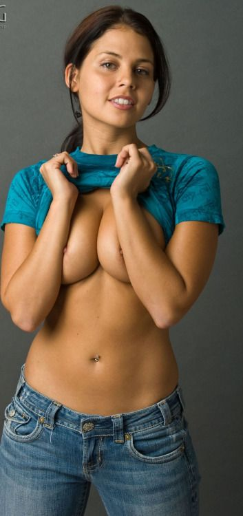 Fuck Yeah Topless Girls in Jeans