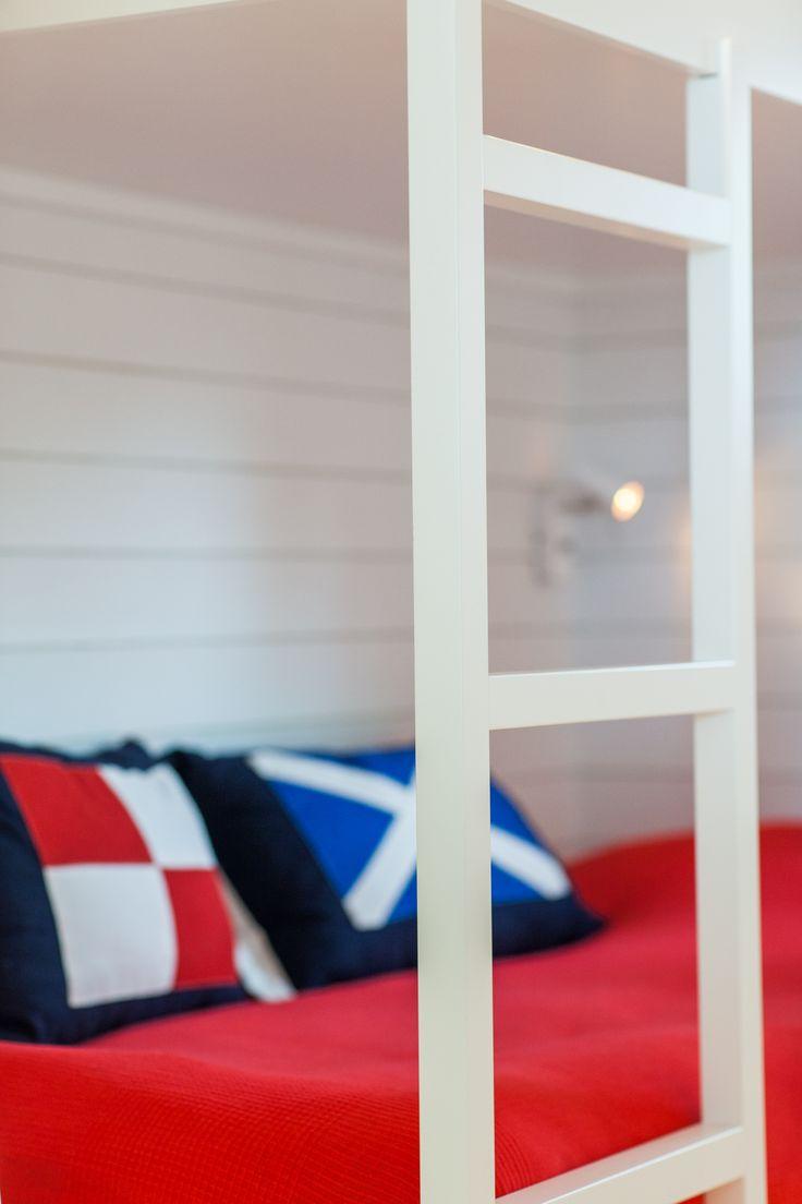 Snickeribyggd våningsäng #sommarhus #fritidshus #naturmaterial #skandinaviskdeisgn #skandinaviskarkitektur