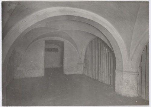 1919 Kelder van het voormalige klooster Mariënhof vóór de restauratie