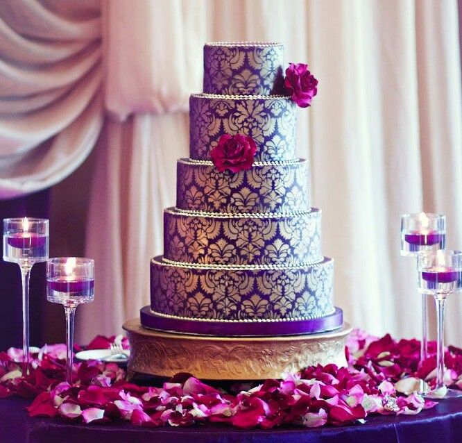 Elaborate Wedding Cakes With Exquisite Sugar Flower Detail Amazing Purple And Gold Cake Ideas Black Tie Glam Weddings