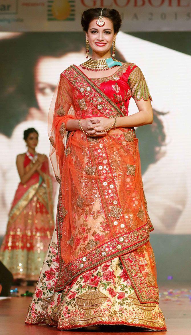 Dia Mirza walks the ramp at the 19th Globoil Awards 2015. #Bollywood #Fashion…