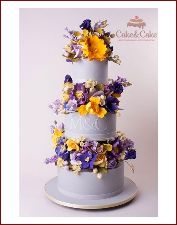 Свадебный торт `Лиловый вальс`