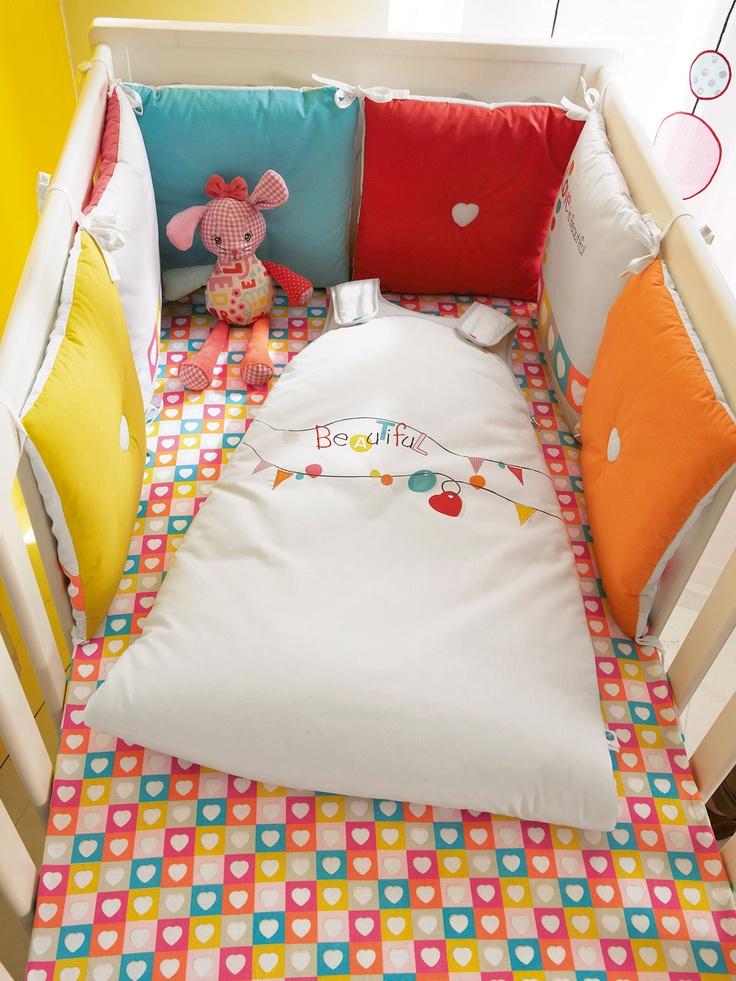Silhouette Tour de lit modulable bébé thème Accroche-coeur + Gigoteuse évolutive bébé brodée Accroche-coeur + Drap-housse bébé Accroche-coeur -