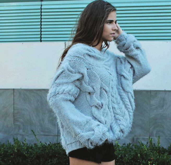 "9 Likes, 1 Comments - your knitted dreams (@garnaya_knitted_clothes) on Instagram: ""Свитер крупной вязки спагетти п/ш #garnaya  #GarnaYa"""