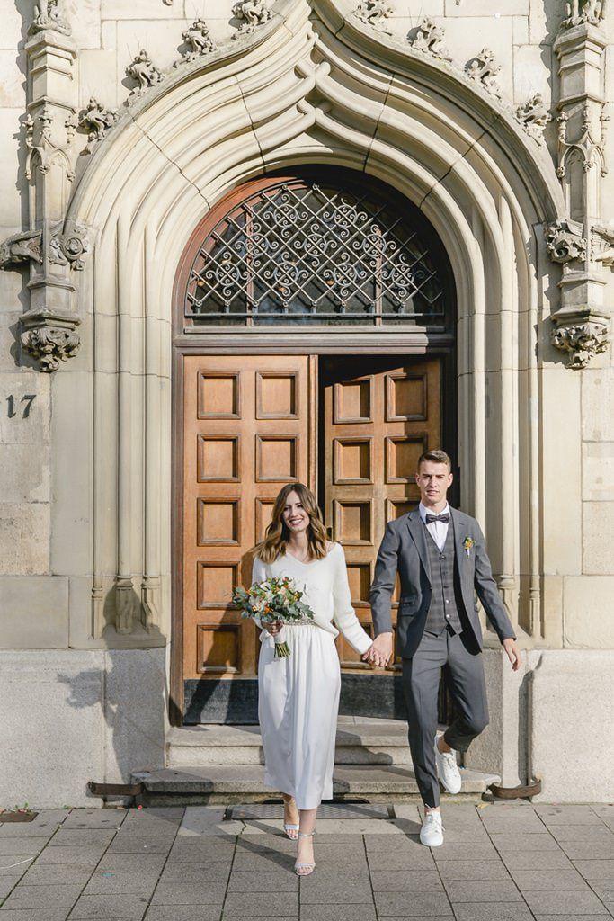 Hochzeitsfotos Standesamt Dusseldorf Hochzeitsfoto Standesamt Hochzeitsfotos Hochzeit Bilder