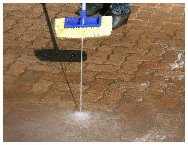 main01_blaster-brush_water-broom_polishop
