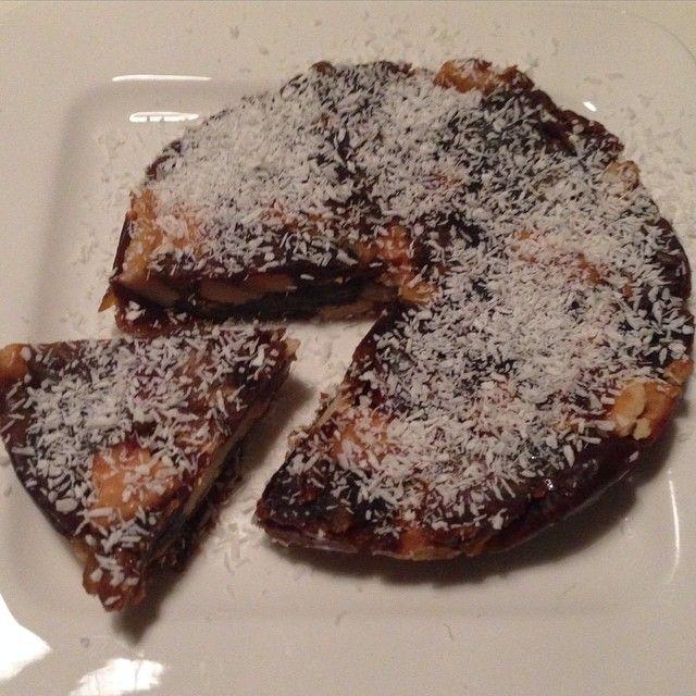 Nu ook een suikervrije variant van de dadeltaart #suikervrij #gezond #recept #gezondeten #puureten