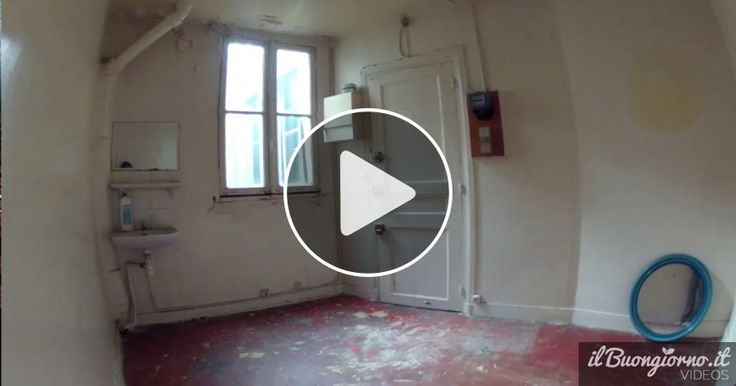 """Credete che otto metri quadri non siano sufficienti nemmeno a uno sgabuzzino? Ebbene questa ragazza parigina vi dimostra che con la buona volontà si può tutto. Ha trasformato il suo minuscolo """"appartamento""""in..."""