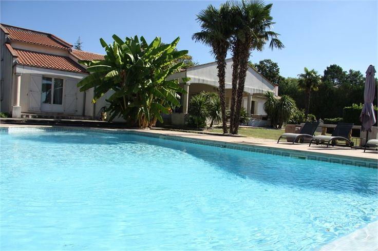 Du côté de Quint Fonsegrives magnifique propriété à vendre chez Capifrance.     > 288 m², 11 pièces dont 6 chambres et un terrain de 4250 m².     Plus d'infos > Didier Bottarel, conseiller immobilier Capifrance.