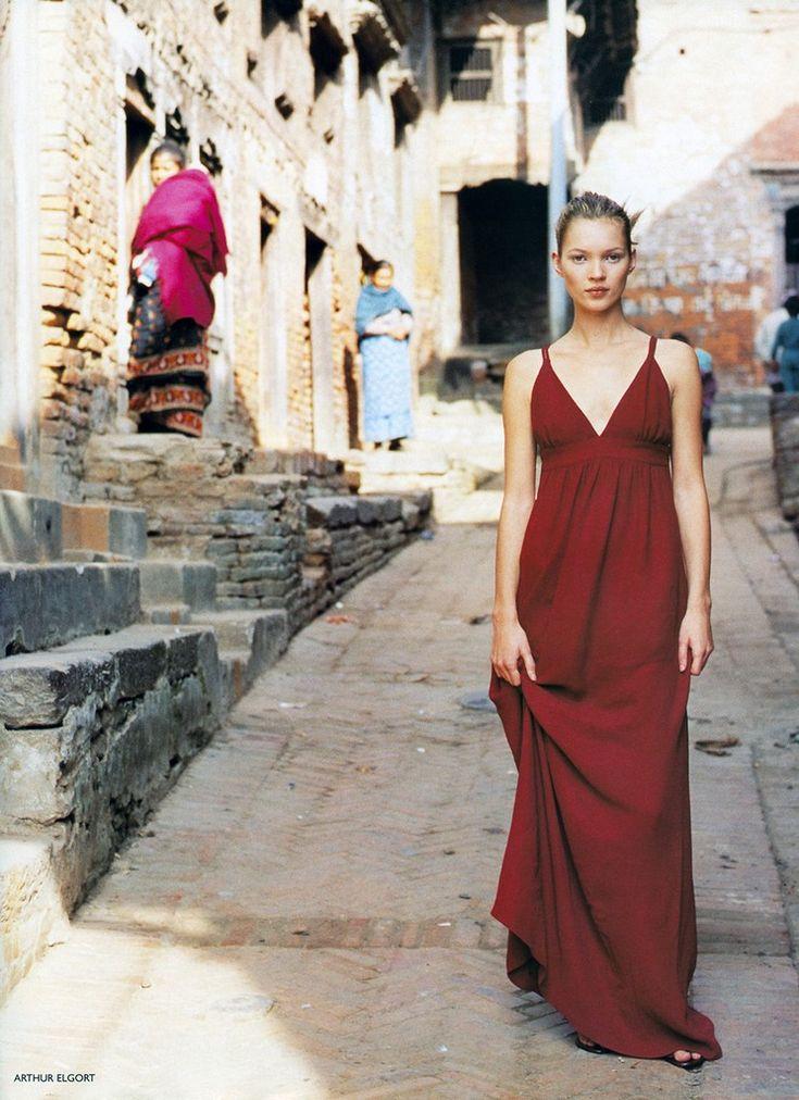 UK Vogue March 1994 |  Simply Divine |  Models: Christy Turlington & Kate Moss