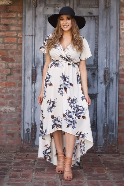 Love this brand that offers cute plus size dresses!