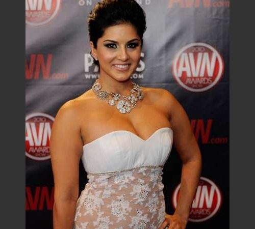 Sunny Leone big boobs exposed