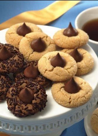 Everybody loves peanut butter blossoms, especially when they're as simple as this recipe—and as easy to make in big batches! You'll have seven dozen cookies when you're done; pack them up for neighbors, friends, holiday parties and last-minute Christmas gifts!