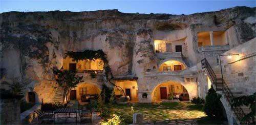 Turkije, hotel uitgehouwen in een grot. Cappadocië.