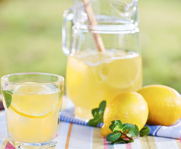 Fresh Homemade Lemonade | The Cooking Mom