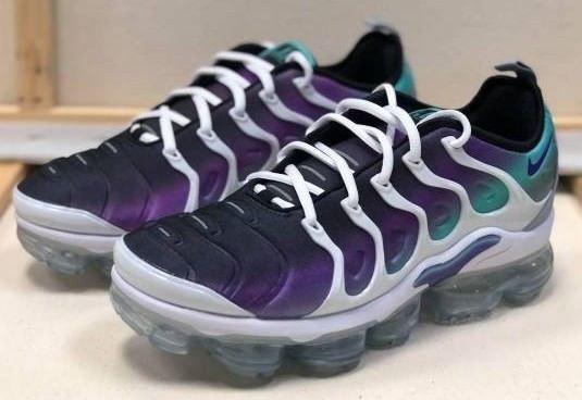 d6d66d9cf52c NIKE AIR VAPORMAX PLUS 924453-101 White Fierce Purple Mens Sneakers Brand  New!