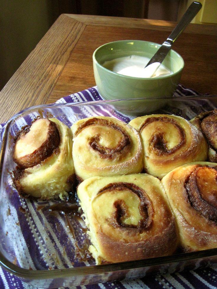 Cinnamon buns (on sourdough)