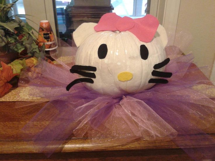 8 best Fall fun images on Pinterest Fall pumpkins, Floral designs - hello kitty halloween decorations