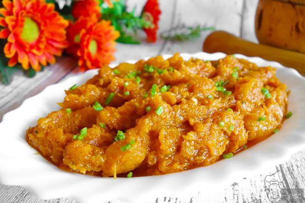 Cuarrécano o calabaza frita con ajo, orégano y pimentón