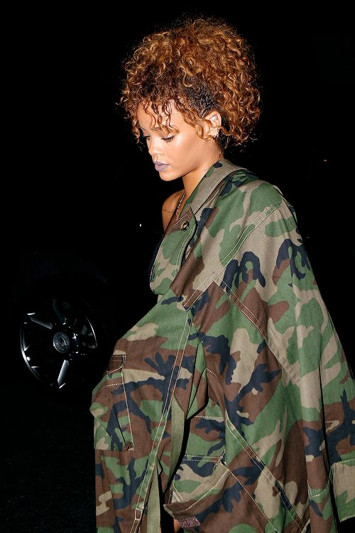 celebritiesofcolor:  Rihanna at Travis Scott's concert in NYC