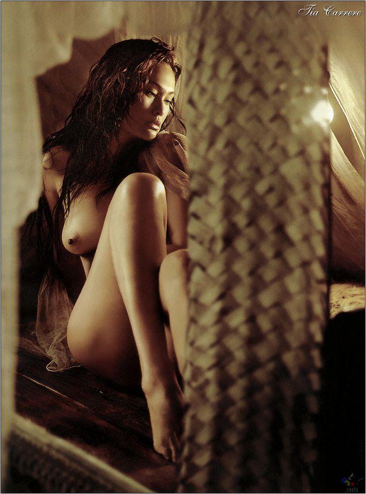 Tia Carrere Nude Tytöt