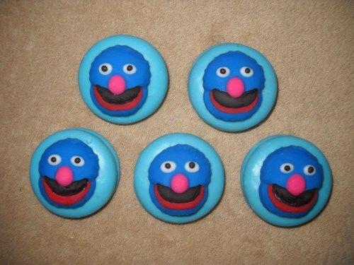 Grover Cake Pops