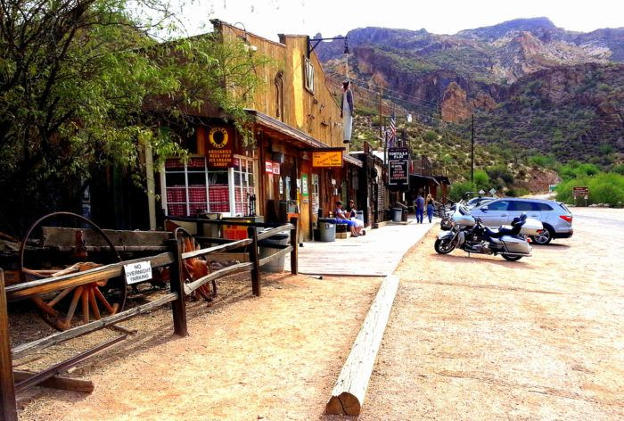 This Absurdly Awesome Ghost Town Attraction In Arizona Is Perfect For A Day Trip
