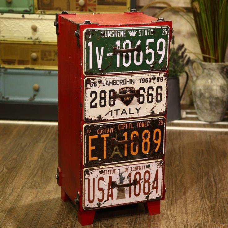 Красный комод с выдвижными ящиками в виде старых номерных знаков купить в интернет-магазине мебели https://lafred.ru/catalog/catalog/detail/44488417797/