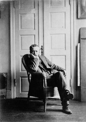 Vilhelm Hammershøi (Kopenhagen, 15 mei 1864 - aldaar, 13 februari 1916) was een kunstschilder uit Kopenhagen, Denemarken. Hij schilderde met name portretten, architectuur, landschappen en interieur scènes. Hij is bekend van de laatste die hij in zachte kleuren schilderde.