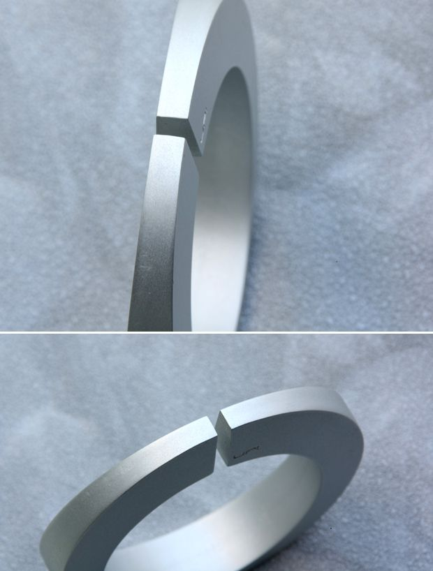 TATE bracelet - LOVE SIMPLICITY collection. Tomas Holub - minimalist jewelry made of anodized and polished aluminum. Enjoy your own piece of aluminum!