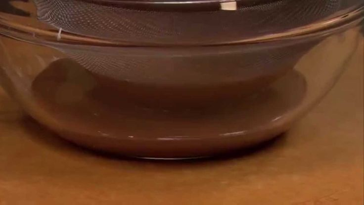 In just one minute, Chef Nick Stellino shows you how to make old-fashioned Chocolate Pudding from scratch for dessert.
